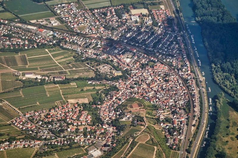 Luftaufnahme von Nackenheim / Bild: Salino01 CC BY-SA 3.0